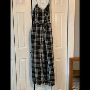 NWT  American Eagle Gingham style jumpsuit